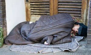 Homeless-person-sleeping--005
